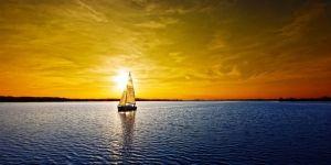 velero-navegando1-1024x512